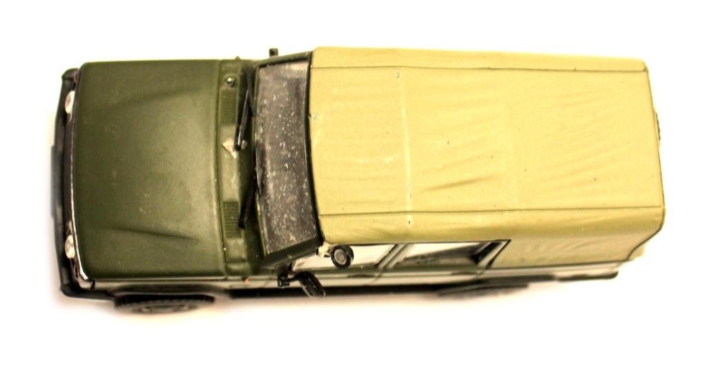 Модель машины (11 см)