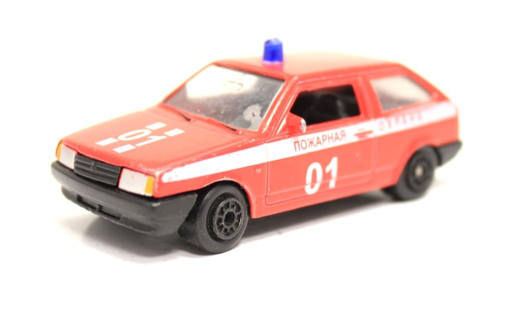 Модель машины (8 см)