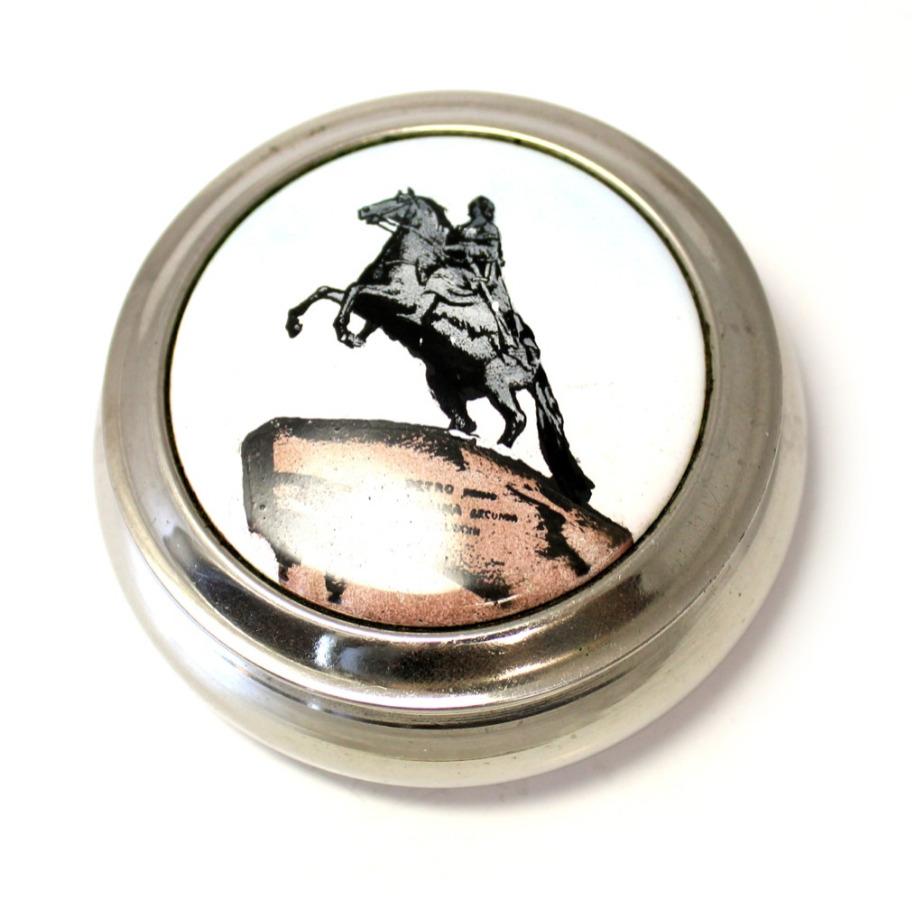 Шкатулка «Медный всадник» (ЛЕНЭМАЛЬЕР, финифть, клеймо, 50-60-е гг., диаметр 7,3 см) (СССР)