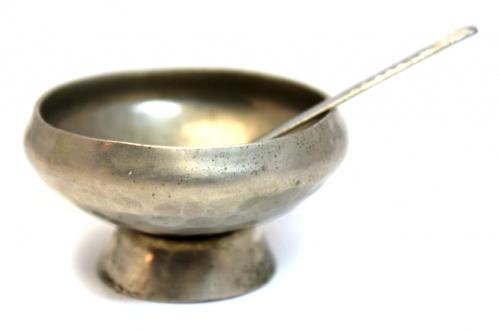 Солонка сложечкой (диаметр солонки 6 см, длина ложечки - 8 см)