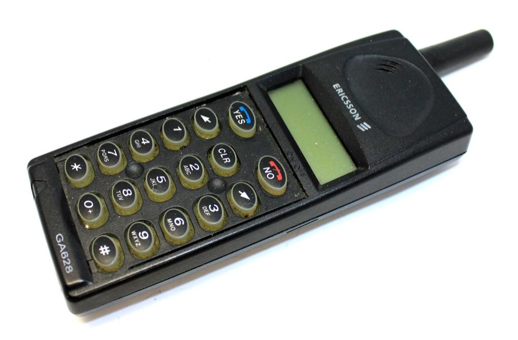 Сотовый телефон «Ericsson»
