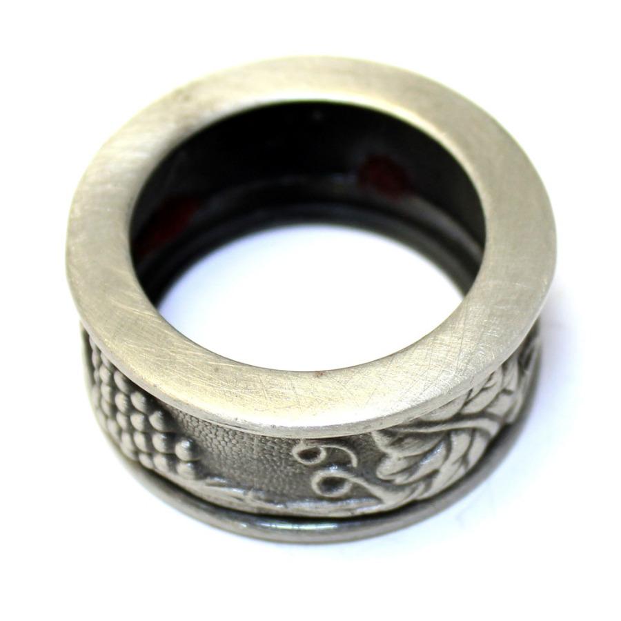 Кольцо для салфетки «Виноград» (олово, Европа, 4,3×1,9 см)