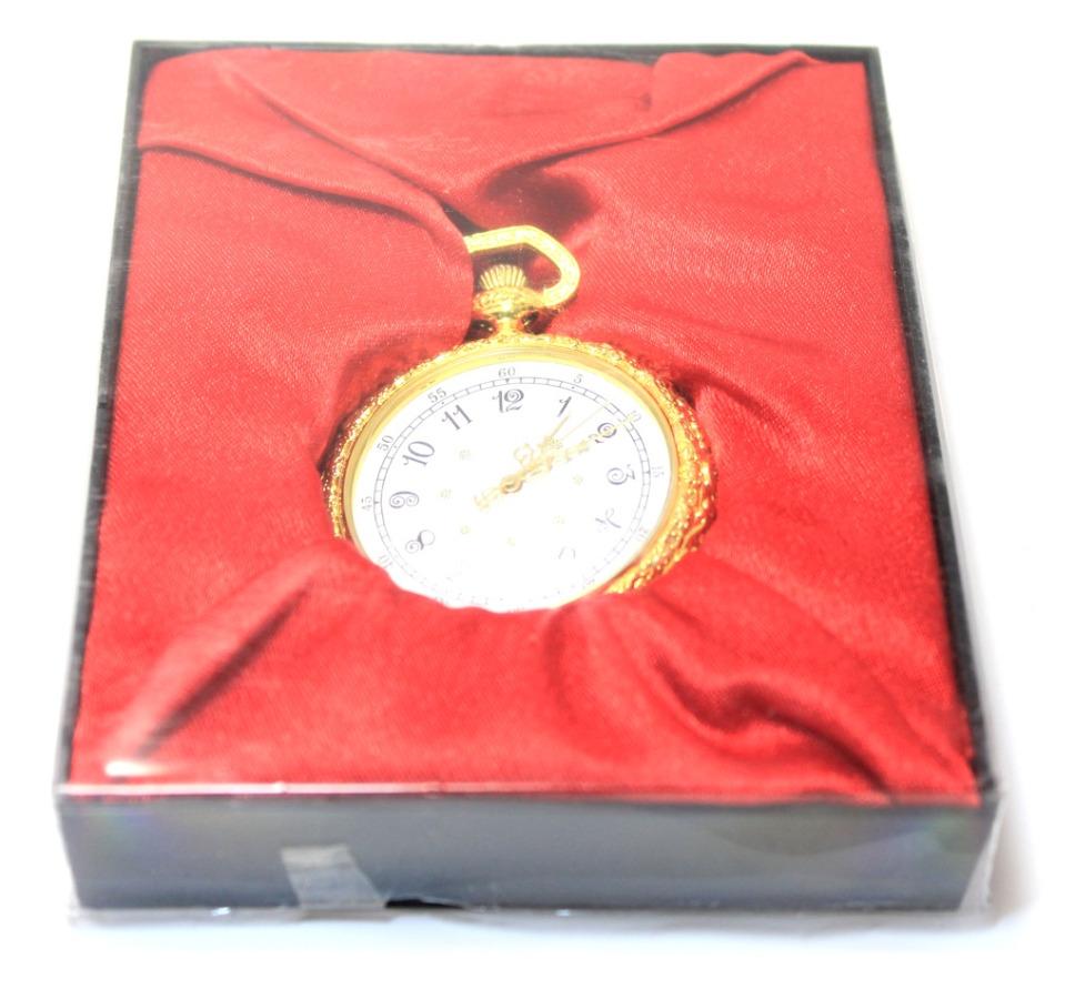 Коллекционные карманные часы (диаметр 4,5 см) 2013 года (Россия)