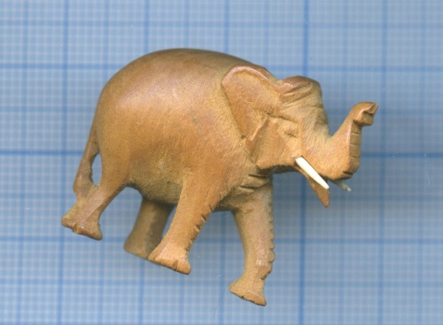 Фигурка «Слон» (сандаловое дерево, слоновая кость)