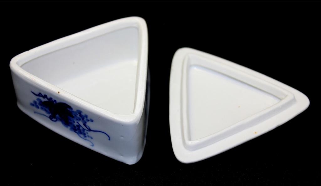 Шкатулка (фарфор), 4×7 см