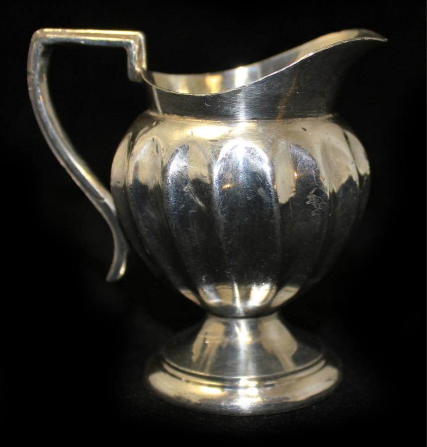 Молочник «William Adams» (серебрение, 8 см) 1890-1910 (Великобритания)