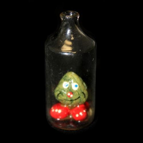 Бутылочка с фигуркой внутри (4,8 см)