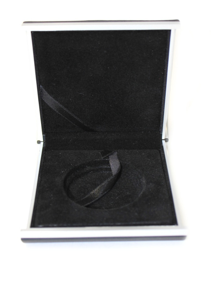 Футляр для монеты (9×9 см, диаметр для монеты 5 см)