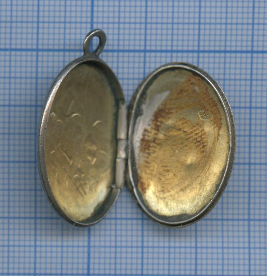 Медальон под фотографию «Souvenir» (серебро, 84 проба, эмаль)