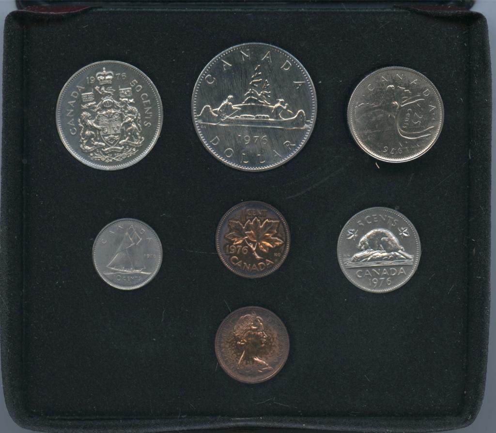 Набор монет (вфулляре) 1975 года (Канада)