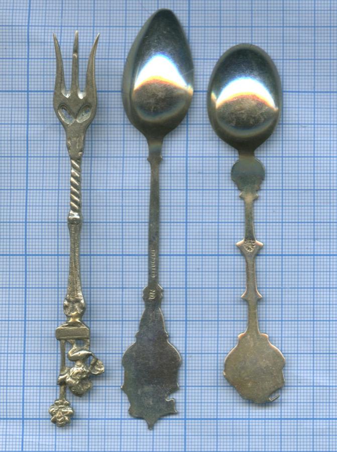Набор коллекционных столовых приборов