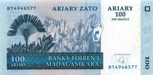 100 ариари (Мадагаскар) 2004 года