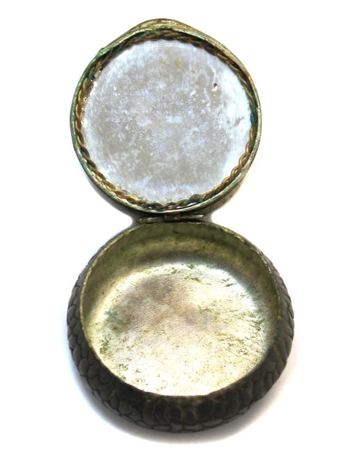 Табакерка сзеркалом (2×4 см)