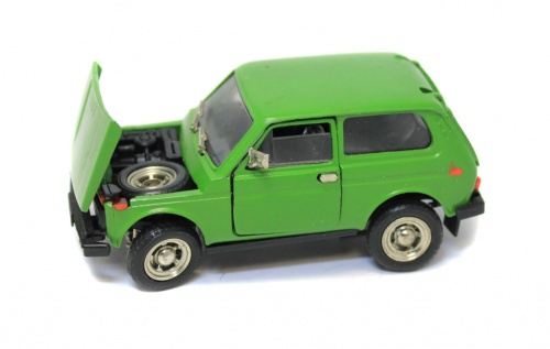 Модель машины «Lada 2121 Niva» (9 см) (Россия)