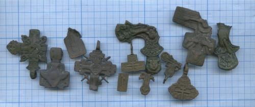 Набор нательных крестиков (обломки)