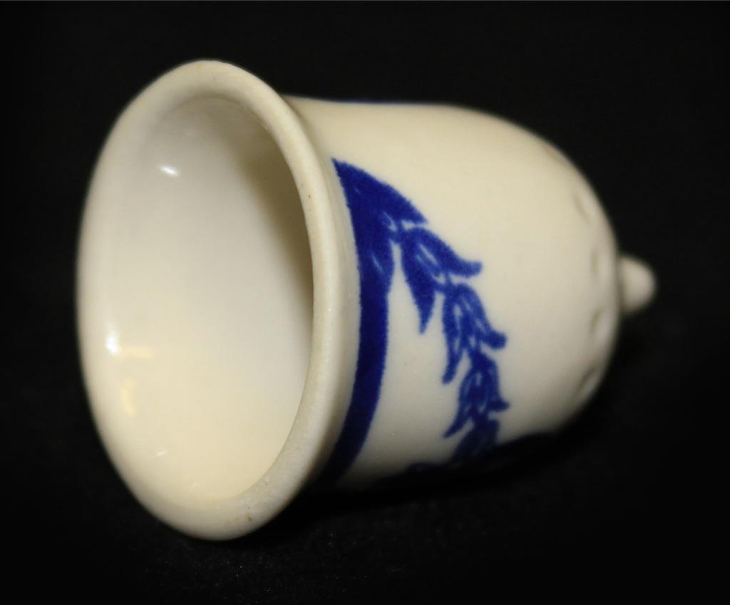 Наперсток коллекционный (ЛФЗ, фарфор), 3 см