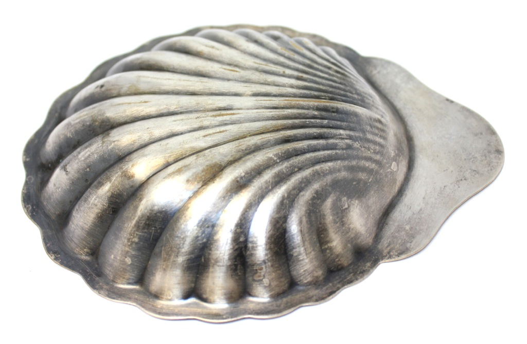 Блюдо-икорница (серебрение, клеймо «Grafton silver plate», 19×15,5 см)