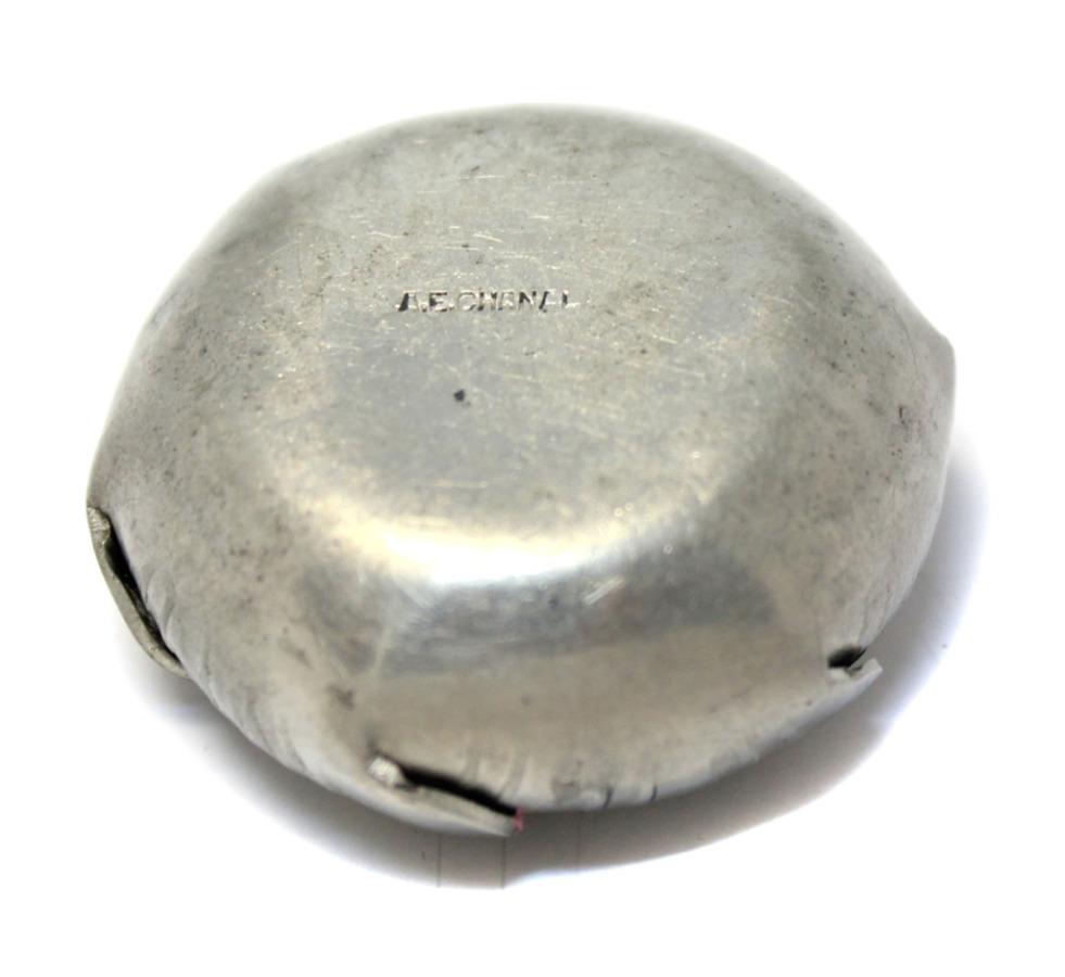 Солонка (клеймо «A.E. CHANAL», 2×4 см)
