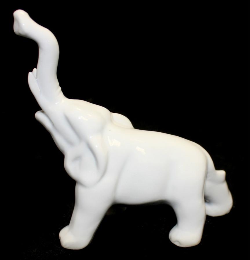 Статуэтка «Слон» (фарфор, 11,5×9 см)