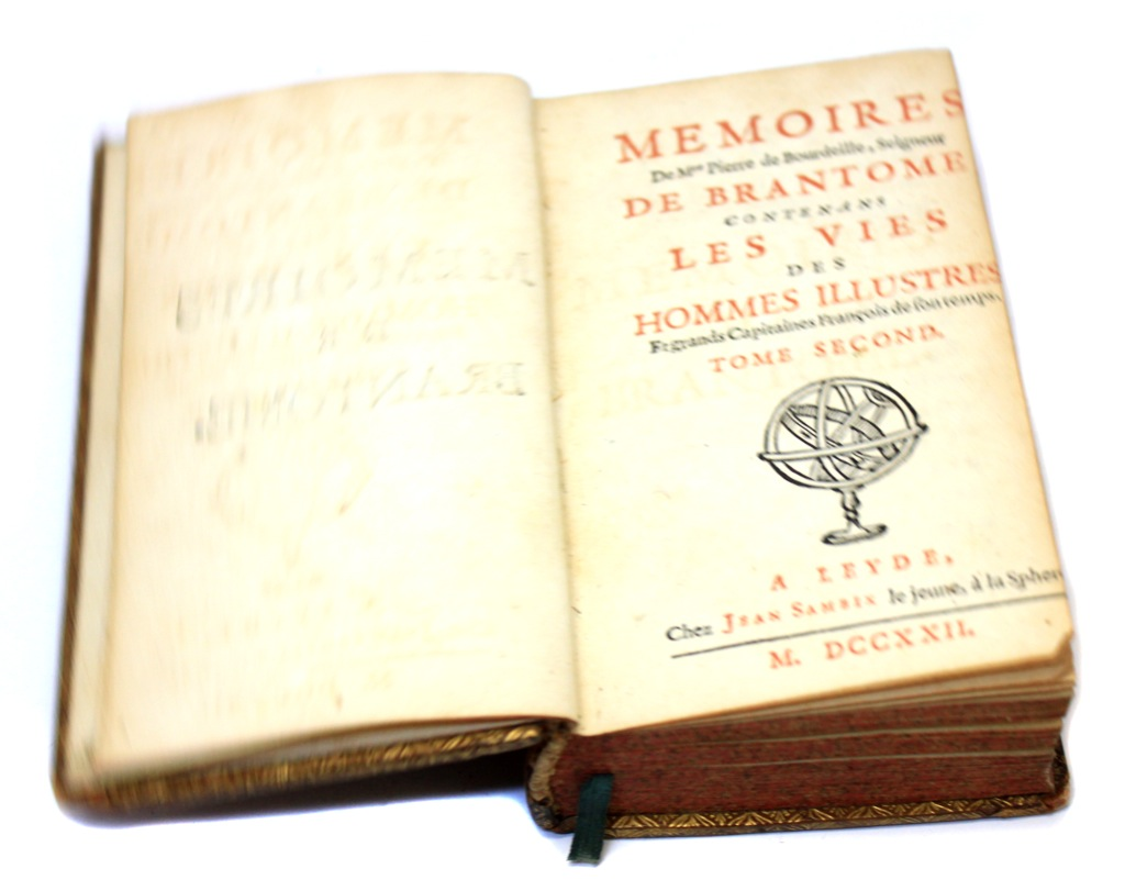 Книга «Мемуары ДеБрантома», Лейден, Голландия (405 стр.) 1722 года (Нидерланды)