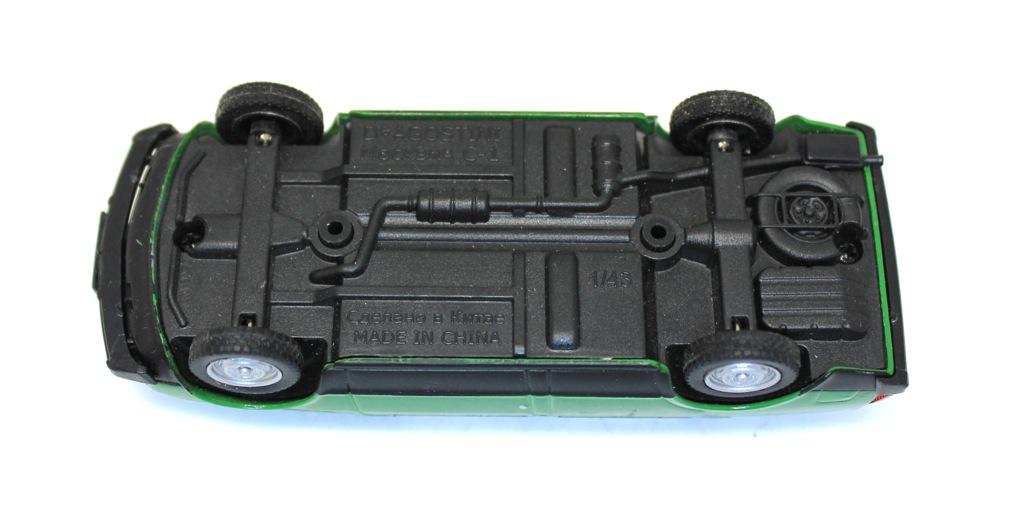 Модель машины «Москвич С-1» (10 см)