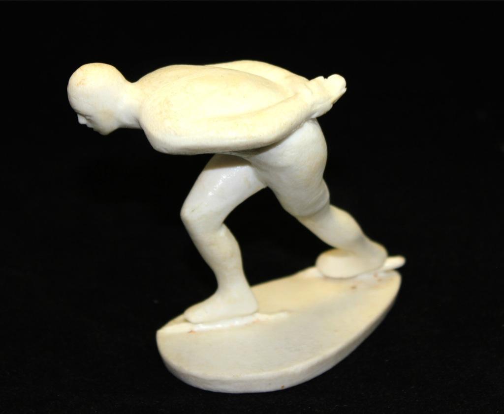 Фигурка «Конькобежный спорт» (9×10 см) (СССР)