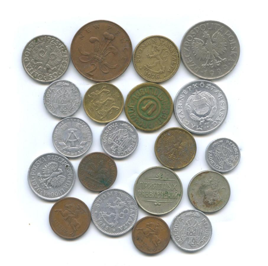 Набор монет cжетоном (разные страны)