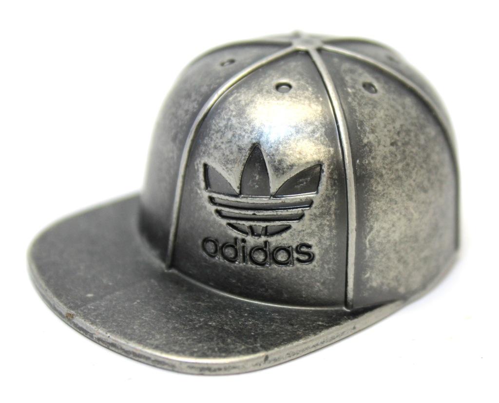 Открывалка «Кепка Adidas» (металл, оригинал, 2,5×6 см)