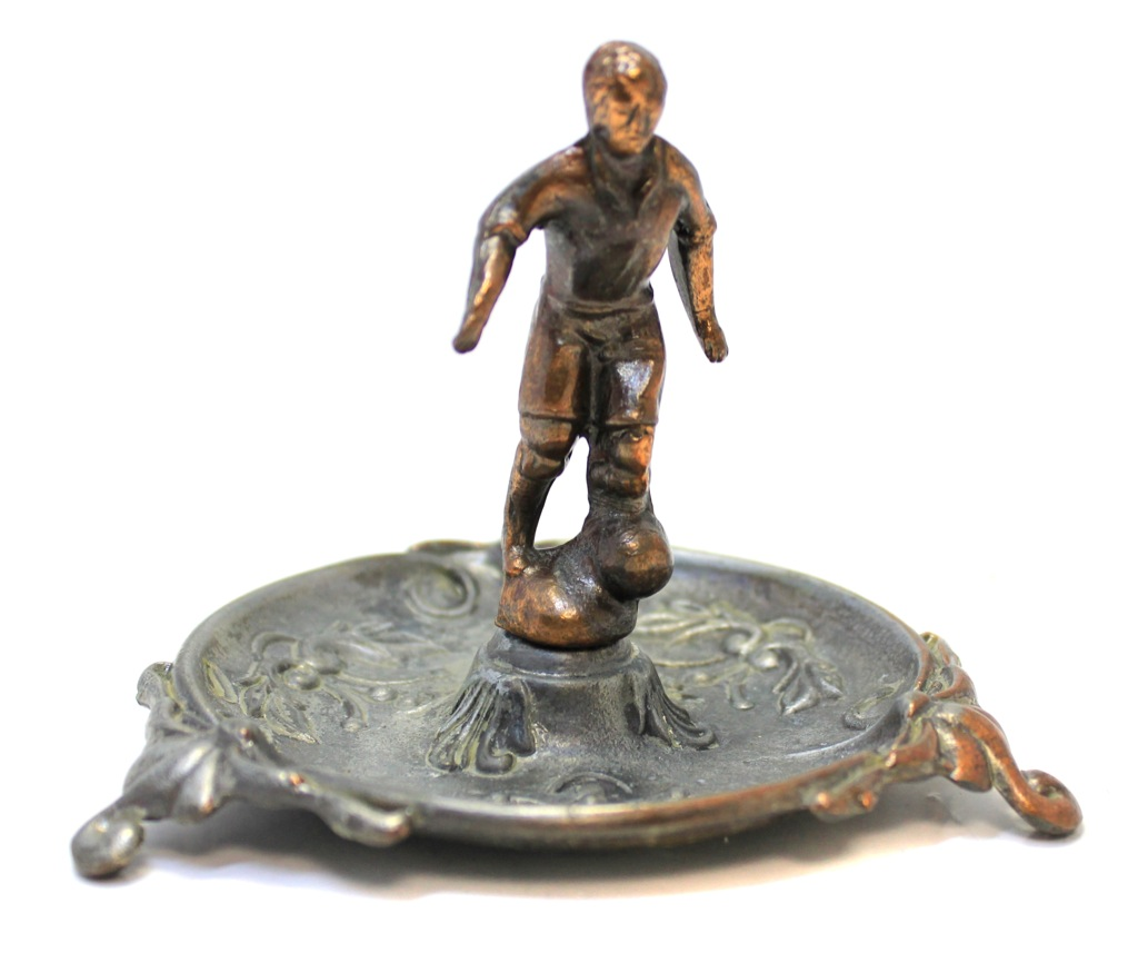 Пепельница-лоток «Футболист» (тяжелая, 8 см, диаметр 10,5 см)