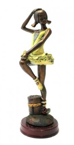 Статуэтка «Танцовщица» (на деревянной подставке, 18.5 см)