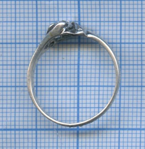 Кольцо (сфианитом)