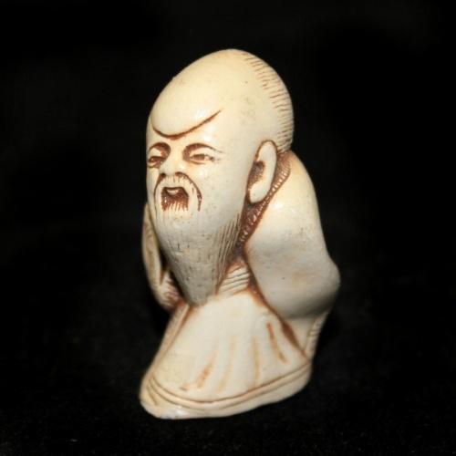 Фигурка-нэцкэ «Монах» (4 см)