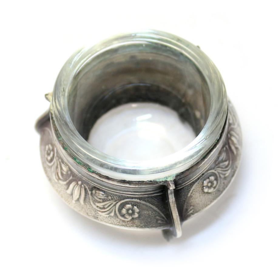 Солонка (мельхиор, клеймо «ЮМ8МЕТ», 5,5×4 см) (СССР)