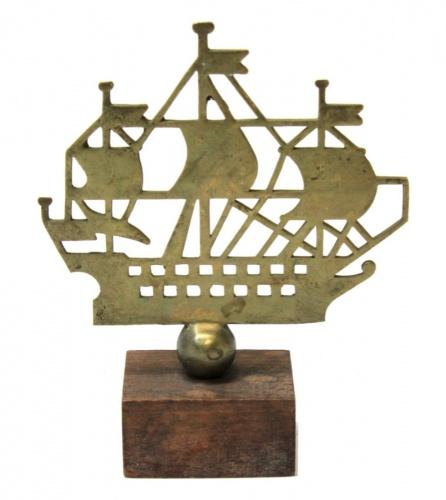 Кораблик «Адмиралтейство» (дерево, латунь), 8,5×7 см