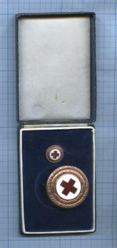 Набор знаков «Красный крест» (вкоробочке) (Германия (ГДР))