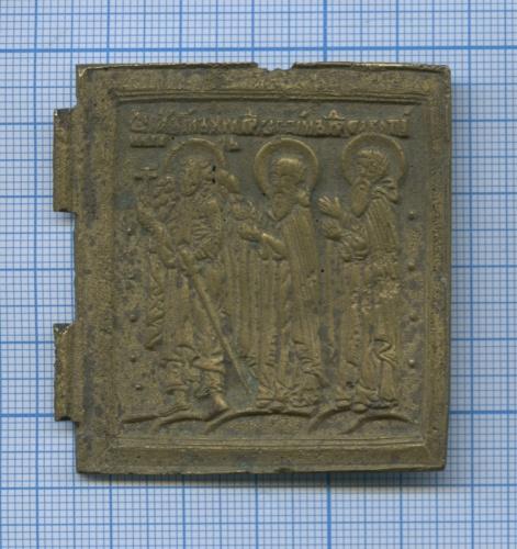 Створка оттрехстворчатой иконы-складня «Деисус спредстоящими» («Девятка»), настворке Ангел-хранитель, св. Зосима, св. Савватий