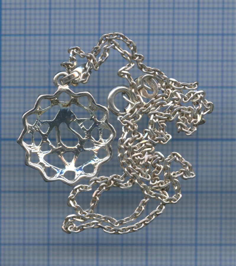 Подвеска сцепочкой (серебро 925 пробы, вес 4,65 г) (Италия)