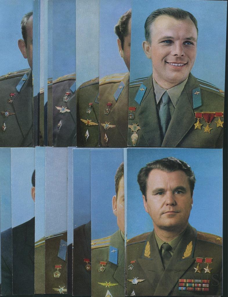 набор открыток космонавты внешних фасадов двухстворчатого