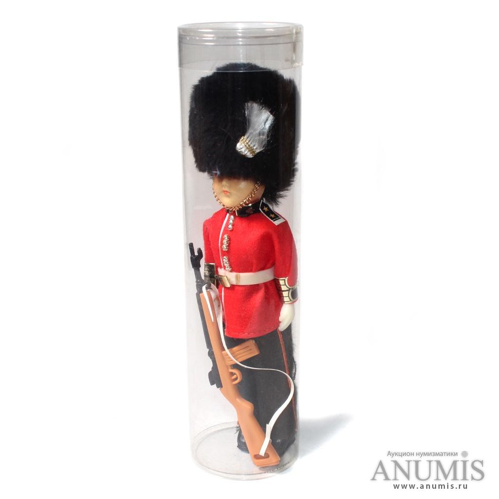 Кукла в национальном костюме «Королевский гвардеец», в ...