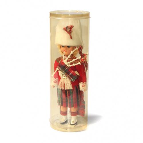 Кукла в национальном костюме «Шотландский гвардеец», в ...